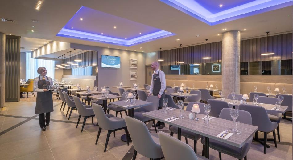 Restaurant (1 of 1)
